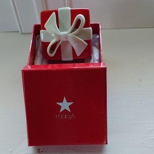 NWT Macy's gift box ceramic
